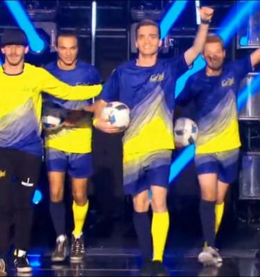 AMAZING FOOTBALL TRICKSHOT Footstyle Team.00_00_50_07.Image fixe003